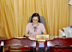 Đồng chí Mai Thị Ngọc Quỳnh - Bí thư chi bộ, Hiệu trưởng nhà trường